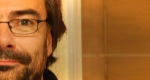 Jacques Le Houezec, conseiller scientifique sur la dépendance tabagique, défend la cigarette électronique.