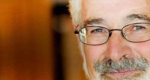 """Stanton Glantz, un médecin américain directeur du """"Center for Tobacco Control Research and Education"""" cumule les études très négatives à l'égard de l'e-cigarette"""