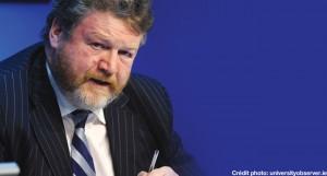 Pour James Reilly, le ministre de la santé en Irlande, on ne peut pas recommander un produit sous prétexte qu'il est moins nocif.