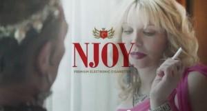 Courtney Love, la nouvelle égérie de la marque américaine Njoy.