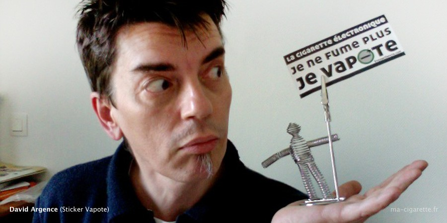 David Argence, vapoteur toulousain de 44 ans, à l'initiative du projet Sticker Vapote.