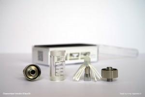 Le Clearomizer iClear 30 se démonte entièrement (8 pièces)
