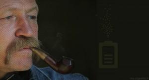 Pour José Bové, député écologiste européen, la cigarette électronique aurait du être règlementée comme un produit pharmaceutique.