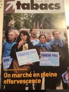 Les vapoteurs de Strasbourg en couverture de la Revue des tabacs de novembre 2013