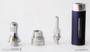L'Evod se démonte en 4 parties : drip tip (embout buccal), embase, résistance et tank (réservoir)