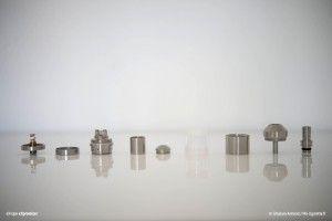 L'eXpromizer ici entièrement démonté en 10 parties distinctes