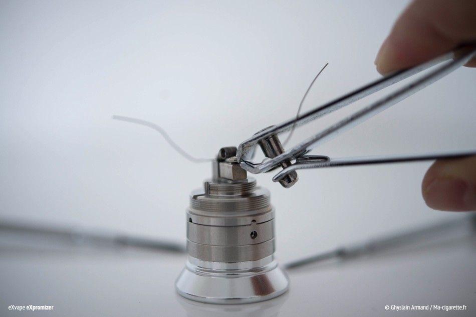 Coupez enfin les bouts qui dépassent à l'aide d'une pince ou d'un coupe-ongles.