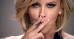Jenny McCartney ici dans une publicité pour le fabricant américain Blu.