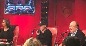 Laurent Baffie ici en train de vaper sur un mod box lors d'une émission de radio.