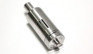 22mm de diamètre pour cet atomiseur en acier inoxydable avec trois ouvertures transparentes.