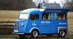 Le fabricant Blu a transformé une Citroën Type H en outil marketing itinérant.