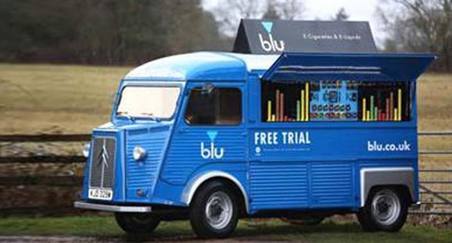 Fabuleux Royaume-Uni : Blu part en tournée dans un vieux fourgon Citroën  ZP06