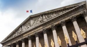 L'Assemblée nationale vient d'adopter le projet de Loi santé qui concerne des mesures sur l'e-cigarette en France.
