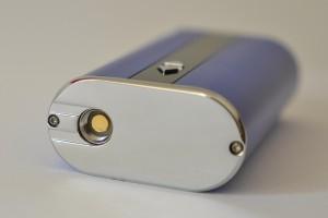 Les dimensions de l'iStick 50W sont de 23mm x 45mm x 83mm