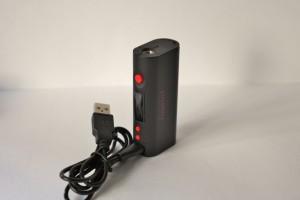 La fonction passthrough permet une utilisation du box mod tout en le rechargeant.