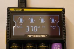 L'écran permet d'afficher différentes informations sur les statistiques et les caractéristiques de charge.