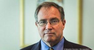 Derek Yach, ancien directeur de la lutte anti-tabac à l'OMS, est aujourd'hui directeur du Vitality Institute.