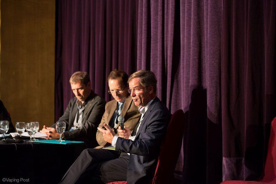 De gauche à droite : Dr Jean-Paul Humair (CIPRET-GE), Pr Jean-François Etter (UNIGE), Dr Jacques Cornuz (UNIL).