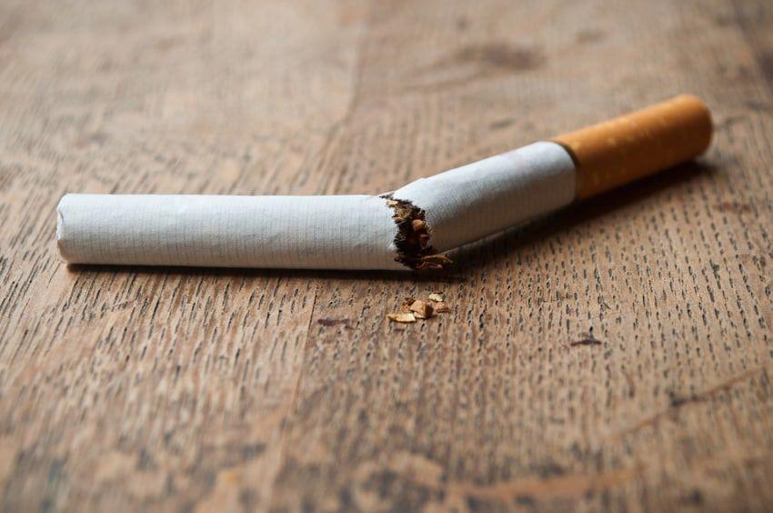 arr ter de fumer avec la cigarette lectronique vaping post. Black Bedroom Furniture Sets. Home Design Ideas