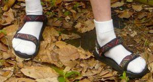 Élégance : savoir vaper avec des chaussettes dans ses tongs