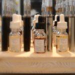 Des flacons d'e-liquides contenant de la nicotine